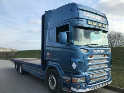 SCANIA 6X2 10 TYRE REAR LIFT AXLE FLAT BED YEAR 2006