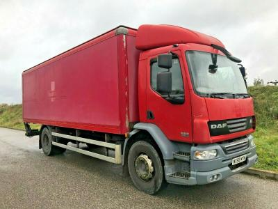 DAF LF55 BOXVAN 18 TON WITH TAIL LIFT