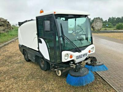 JOHNSTON PEDESTRIAN ROAD SWEEPER